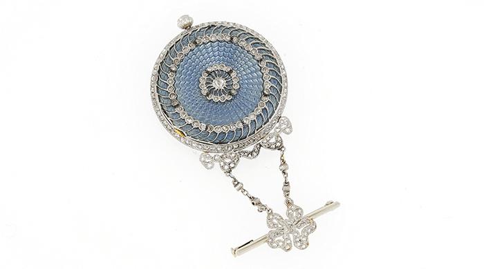 Maison_Tiffany_Art-Nouveau_Brochenuhr_von_1909_Platin_Gold_Guillocheemaille_Diamanten_002B_Original